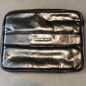 Michael Kors Shiny silver tablet case
